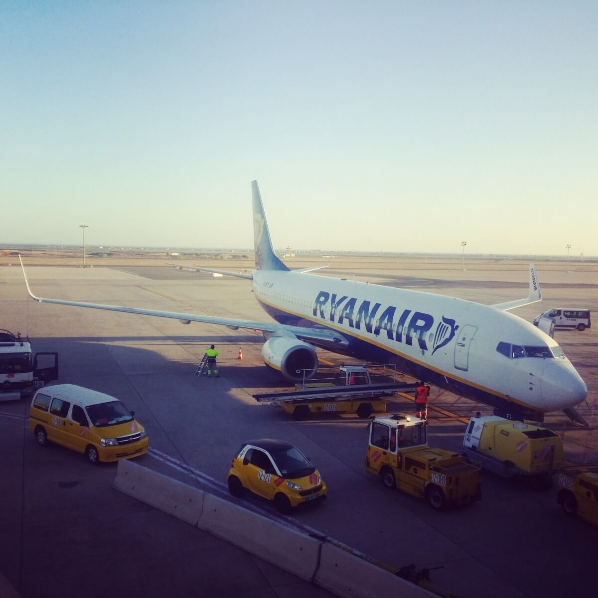 Secret Tips and Tricks For Flying Ryanair